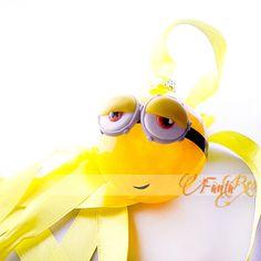 pallina di natale Minion per albero di natale - Kevin - colore giallo Bel Air, Minion, Round Sunglasses, Fimo, Round Frame Sunglasses, Minions
