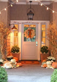 Cozy fall front porch decorated with pumpkins, mums and cornstalks Natural fall porch decor ideas for your home including this neutral fall porch decorated with pumpkins and cornstalks! Autumn Nature, Autumn Home, Autumn Fall, Porch Decorating, Decorating Ideas, Decor Ideas, Autumn Decorating, Diy Ideas, House With Porch