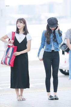 Winter korean kpop air port fashion – mina & nayeon twice incheon airport to singapore Korean Fashion Kpop, Korean Fashion Winter, Korean Fashion Casual, Ulzzang Fashion, Korean Street Fashion, Airport Fashion, Kpop Outfits, Korean Outfits, Casual Outfits