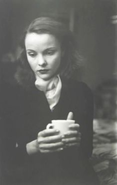 Saul Leiter, Jean with Cup, 1948.