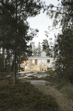 Six Walls House in Nacka by Arrhov Frick Arkitektkontor (2014)