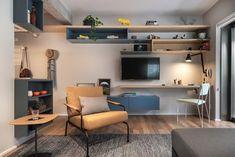 Apartamento pequeno com prohjeto que prioriza a circulação. Confira no link esta e mais imagens! (Foto: Escanhuela Photo/Divulgação) #apartamento #apartment #decor #decoração #decoration #livingroom #saladeestar #casavogue