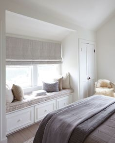 Bench Warmer - Home Tour: This Dreamy Whitewashed Cottage Is Too Good to Be True - Photos