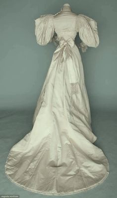 WHITE SILK & LACE WEDDING GOWN, 1895 (back view)
