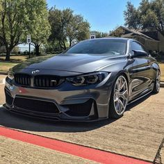 The BMW was unveiled at the Frankfurt Motor Show in 2013 and is a plug in hybrid sports car. The combines a turbo charged motor with a large electric engine and the car has some impressive performance figures. Bmw M4, E60 Bmw, Bmw Autos, Koenigsegg, Maserati, Ferrari F80, Rs6 Audi, M4 Gts, Bmw M Series