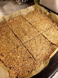 Signes hjemmelagede: Lavkarbo knekkebrød Carb Cycling, Keto, Lchf, Signs, Banana Bread, Food And Drink, Low Carb, Gluten Free, Baking