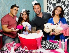 Snooki and Jwoww! ((Jionni, Snooki, Roger and Jwoww)) Snooki And Jwoww, Nicole Snooki, Nicole Polizzi, Mtv Shows, Reality Tv Shows, About Time Movie, Live Laugh Love, Love Pictures, Cinema