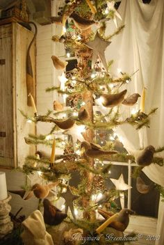 a primitive christmas love this tree - Primitive Christmas Tree Decorations