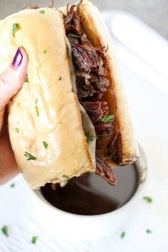 Instant Pot Pressure Cooker French Dip Sandwiches No. 2 Pencil, Instant Pot French Dip Sandwiches Your Homebased Mom, Best Ever Instant Po. Power Pressure Cooker, Instant Pot Pressure Cooker, Pressure Cooking, Electric Pressure Cooker Meals, Pressure Cooker Recipes Beef, Pressure Pot, Chefs, Sauce Française, Instant Pot French Dip