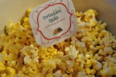 SCRAMBLED SNAKE :: popcorn with nutritional yeast sprinkled on for flavouring. Vegan Recipes, Snack Recipes, Snacks, Gruffalo Party, Nutritional Yeast Recipes, Vitamin K, Turmeric, Benefit, Healthy