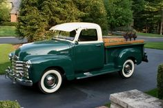 #pickup truck accessories Best Pickup Truck, Vintage Pickup Trucks, Classic Pickup Trucks, Antique Trucks, Ford Classic Cars, Pickup Camper, Vintage Cars, Jeep Pickup, Antique Cars