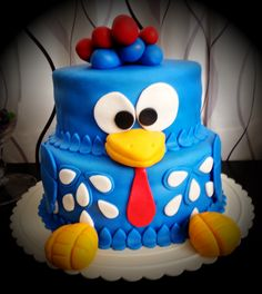 Bolo da Galinha Pintadinha Cake with the theme of Brazilian children's cartoon...
