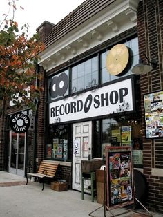 Vinyl Record Shop, Vinyl Store, Vinyl Records, Music Aesthetic, Retro Aesthetic, Vintage Records, Vintage Music, Vintage Industrial, Industrial Interiors
