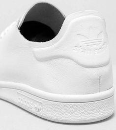 Super clean: adidas Stan Smith Nuude W. Hier entdecken und shoppen: https://sturbock.me/x3Q