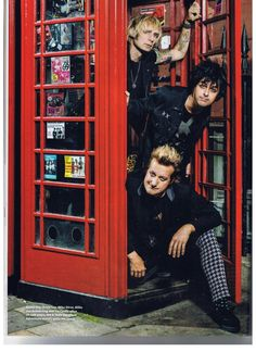 """Articles > Q > """"Green Day Fan Q&A"""" - Page 1"""
