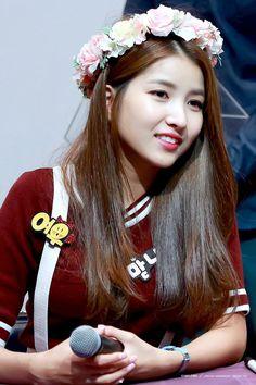 """© goodperson | editing guidelines "" Kpop Girl Groups, Kpop Girls, Seoul, Korea, Gfriend Sowon, G Friend, Age, Pop Group, Red Velvet"