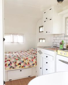 """Thought we'd give ya a peek inside The """"Little Louie"""" --this 58 Terry just steals my heartdo you want to see him in person? Link in profile  . . #glamping #trailer #vintage #asheville #ashvilleglamping #quilt #style #tinyhouse #glamping #campground #camp #glampingvibes #mytinyatlas #mytravelgram #4thofjuly #wanderlust #waybetterthanahotel"""