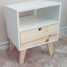 Upcycled Furniture, Pallet Furniture, Furniture Making, Bedroom Furniture, Furniture Design, Diy Home Decor On A Budget, Diy Home Decor Projects, Plywood Projects, Diy Nightstand