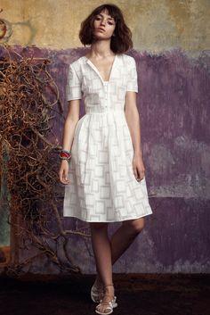 Saloni Spring 2015 Ready-to-Wear Fashion Show