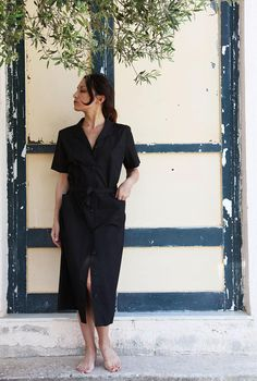 Vintage Mediterranean black button downcollarmidi dress.size