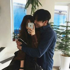 S just something about korean couples ❤ rosè ulzzang,