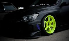 neon green rims.  Thinking this is how I'm gonna my car