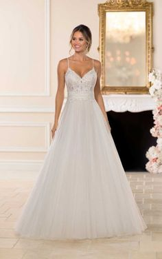 Stella York Wedding Dresses - Search our photo gallery for pictures of wedding dresses by Stella York. Find the perfect dress with recent Stella York photos. Stella York Wedding Gowns, Stella York Bridal, Affordable Wedding Dresses, Designer Wedding Dresses, Bridal Dresses, Prom Dresses, Wedding Gown Ballgown, Boho Vintage, Princess Bridal