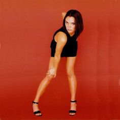 How to make your own DIY homemade Posh Spice costume from the Spice Girls for cosplay, fancy dress and halloween costumes Baby Spice Costume, Spice Girls Costumes, Halloween Costumes For Girls, Girl Costumes, Halloween Costunes, Group Halloween, Costume Ideas, Posh Spice Hair, Spice Girls Wannabe