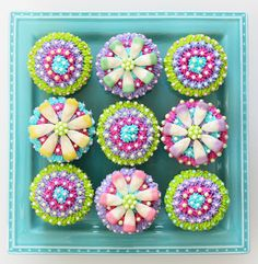 Mother's Day cupcakes - how to decorate - from www.positivelysplendid.com