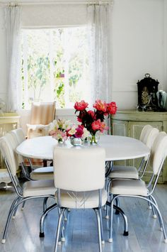 My dream house - remember the old kitchen tables from the 50-60s