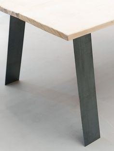 Des Pieds Sous Ma Table - Modèle Gat_o