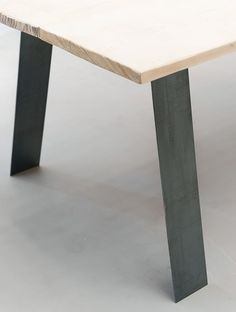 Pieds de table en metal style industriel  71cm 66€/ 2pieds