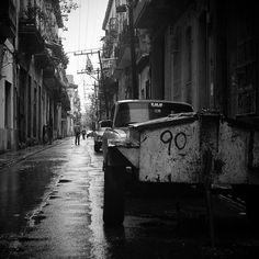 #cuba #havana #america #travel #housenumbers #people #architecture #blackandwhite #old #city #streetphotographer #streetphotography #bestphoto #bestoftheday