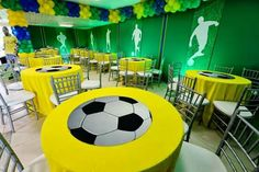 Futebol Soccer Birthday Parties, Football Birthday, Soccer Party, Birthday Bash, Soccer Ball, Soccer Banquet, Football Themes, Party Centerpieces, Party Themes