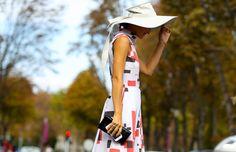 Los sombreros son un accesorio que completan tu outfit y que puedes llevar tanto en verano como en invierno. Anímate a usarlos, aquí te mostramos cómo puedes llevarlos.