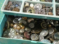 kluless: Vintage Metal Button Collection