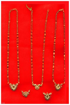 Beaded Jewelry Designs, Jewelry Design Earrings, Gold Earrings Designs, Gold Jewellery Design, Necklace Designs, Pendant Jewelry, Jewelry Bracelets, Silver Wedding Jewelry, Gold Jewelry Simple