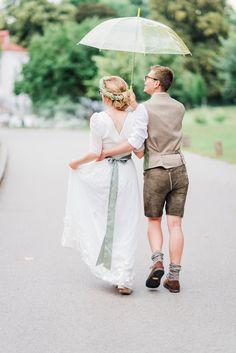 Hochzeitsfotografie — Hals über Kopf Boho Stil, Couple Photos, Couples, Wedding, Fashion, Wedding Photography, Newlyweds, Wedding Dress, Couple Shots