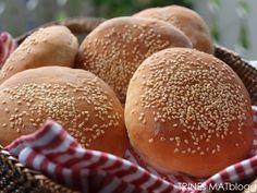 DET BESTE HAMBURGERBRØDET Baking Tips, Food For Thought, Kids Meals, Baked Goods, Hamburger, Food And Drink, Rolls, Tasty, Healthy Recipes