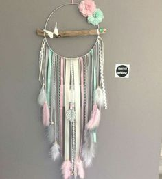 Dream catcher in driftwood and butterfly, beige, mint and powder pink – DIY Crafts Dream Catcher Craft, Dream Catcher Boho, Diy Dream Catcher For Kids, Making Dream Catchers, Lace Dream Catchers, Dream Catcher Mobile, Flower Places, Diy And Crafts, Arts And Crafts