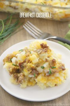 This delicious savory breakfast casserole is made with crispy ground sausage, hash browns, cheese, and eggs! Brunch Dishes, Breakfast Dishes, Breakfast Recipes, Breakfast Casserole Easy, Casserole Dishes, Breakfast Options, Appetizers, Meals, Dinners