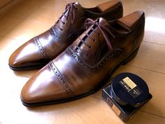 Corthay Bucci, cared with Saphoir noir creme 1925 dark brown.