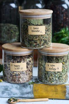 Homemade Tea, Dandelion Recipes, Organic Herbs, Tea Blends, Healing Herbs, Natural Healing, Tea Recipes, Dinner Recipes, Milkshakes