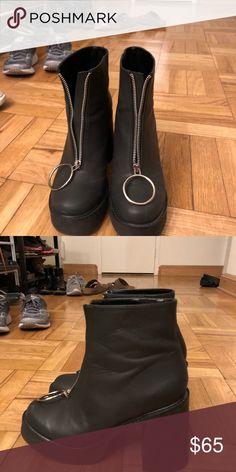 91903e7b504f DOLLS KILL PLATFORM BOOTS Worn a couple times Dolls Kill Shoes Ankle Boots    Booties Dolls