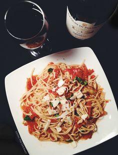 #Wine #Pasta #Tomato Living the Gourmet: Fresh Tomato Sauce with Sautéed Zucchini & Spaghetti