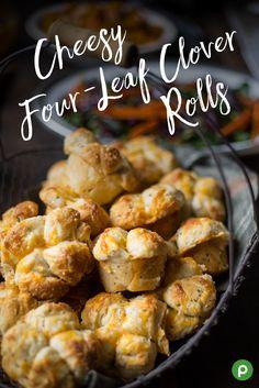 Cheesy Four-Leaf Clover Rolls Thanksgiving Sides, Thanksgiving Recipes, Holiday Recipes, New Recipes, Cooking Recipes, Favorite Recipes, Colby Jack, Biscuit Bread, Good Food