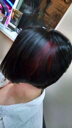Red peekaboo with dark hair lvl 4 Goldwell