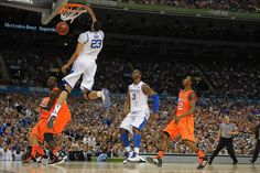 Davis dunking