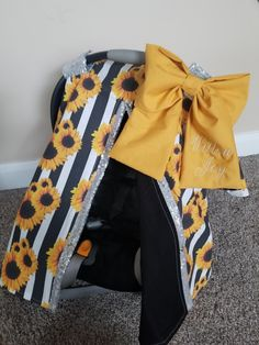 Adorable reversible 100/% cotton sunflowers and bees print infant car seat carrier tent canopy blanket cover.