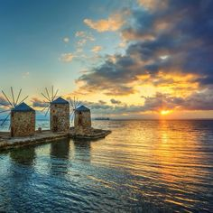 """""""#landscape #manzara #sunrise #gündoğumu #yunanistan #greece #chios #deniz #sakız #island #ada #windnill #yeldeğirmeni #holiday #tatil #travel #seyahat…"""""""